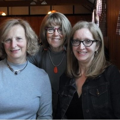 Dianne Brind'Amour, Suzanne Lalonde, Laurence Boulerice who is a new retiree, we worked together for many years it was so nice to get together to catch up on news and remembering great memories.