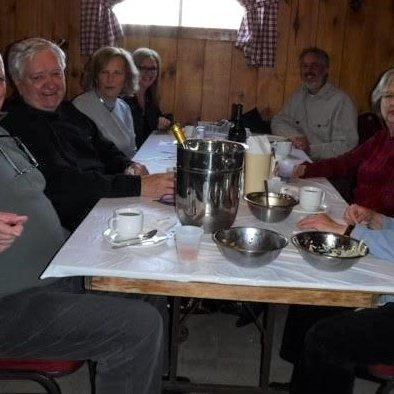 gauche: les maris de Christiane Longpré et Marie Paradis, Dianne Brind'Amour, Laurence Boulerice droite: Christiane Longpré, Marie Paradis, Daniel De Ladurantaye (S. Lalonde)